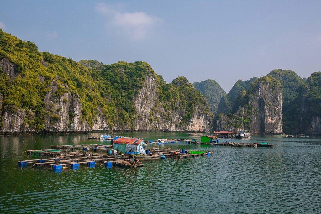 Fisherman village in Lan Ha bay